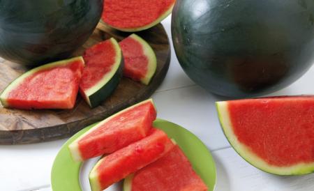 blackwatermelon_mesa-de-trabajo-1